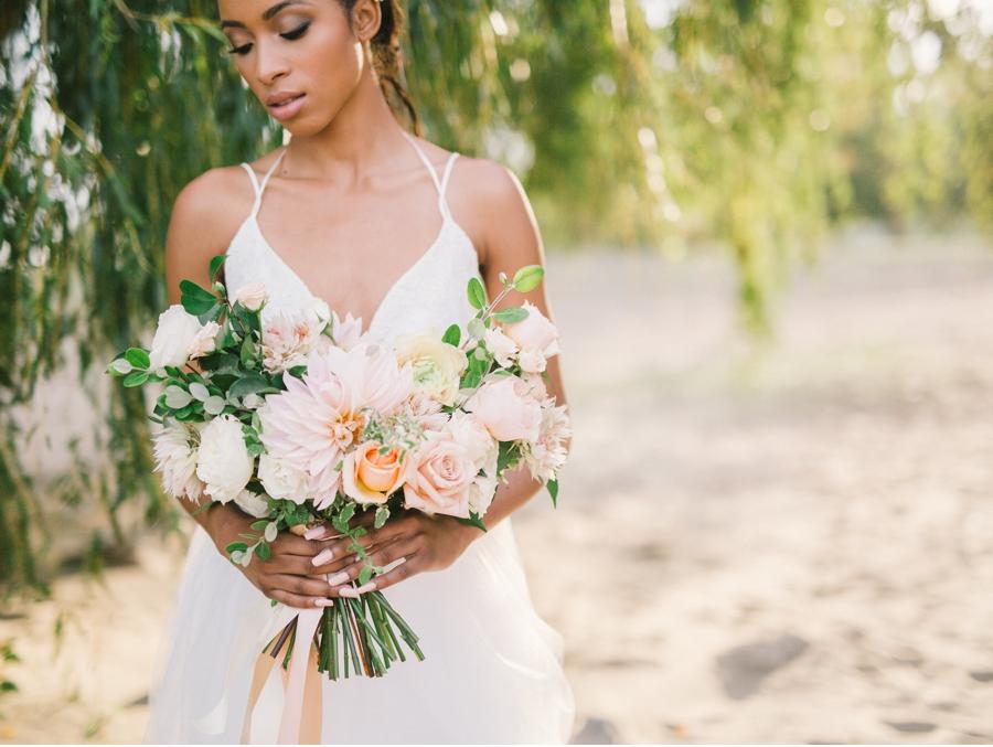 Pastel-Wedding-Bouquet-Inspiration