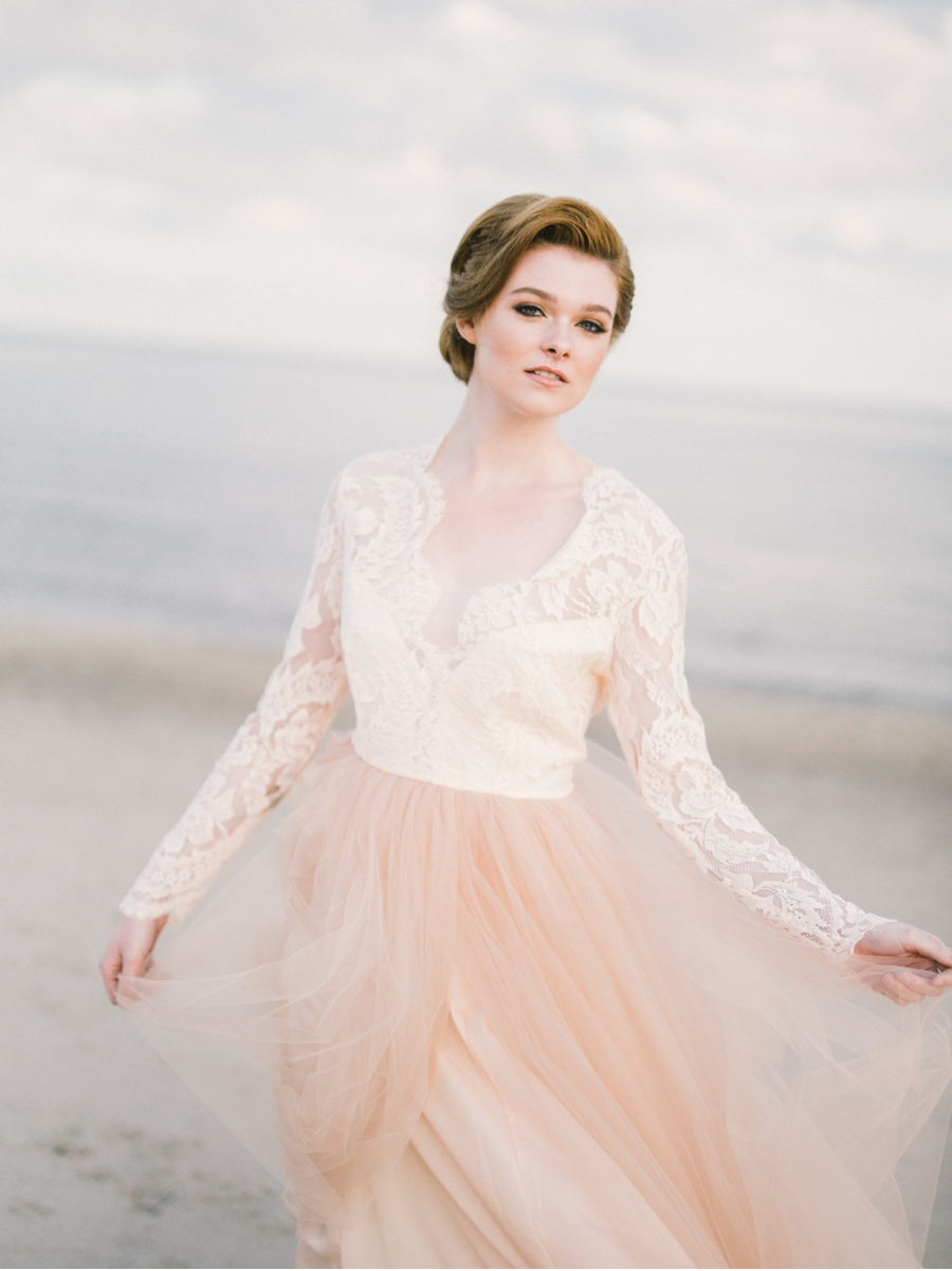 Peach-and-Lace-Bridal-Style