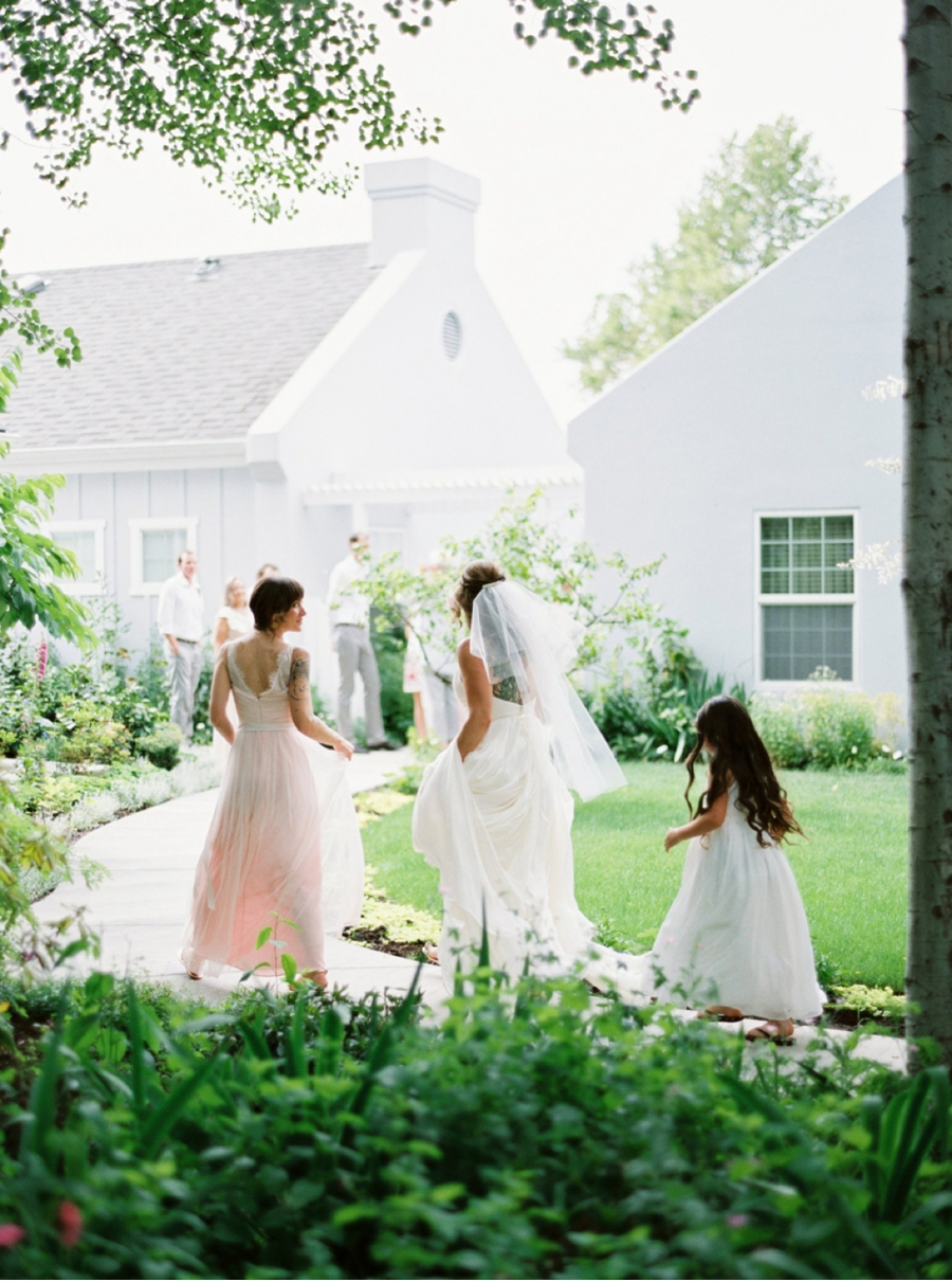 Sunny-Garden-Wedding-Southern-Oregon