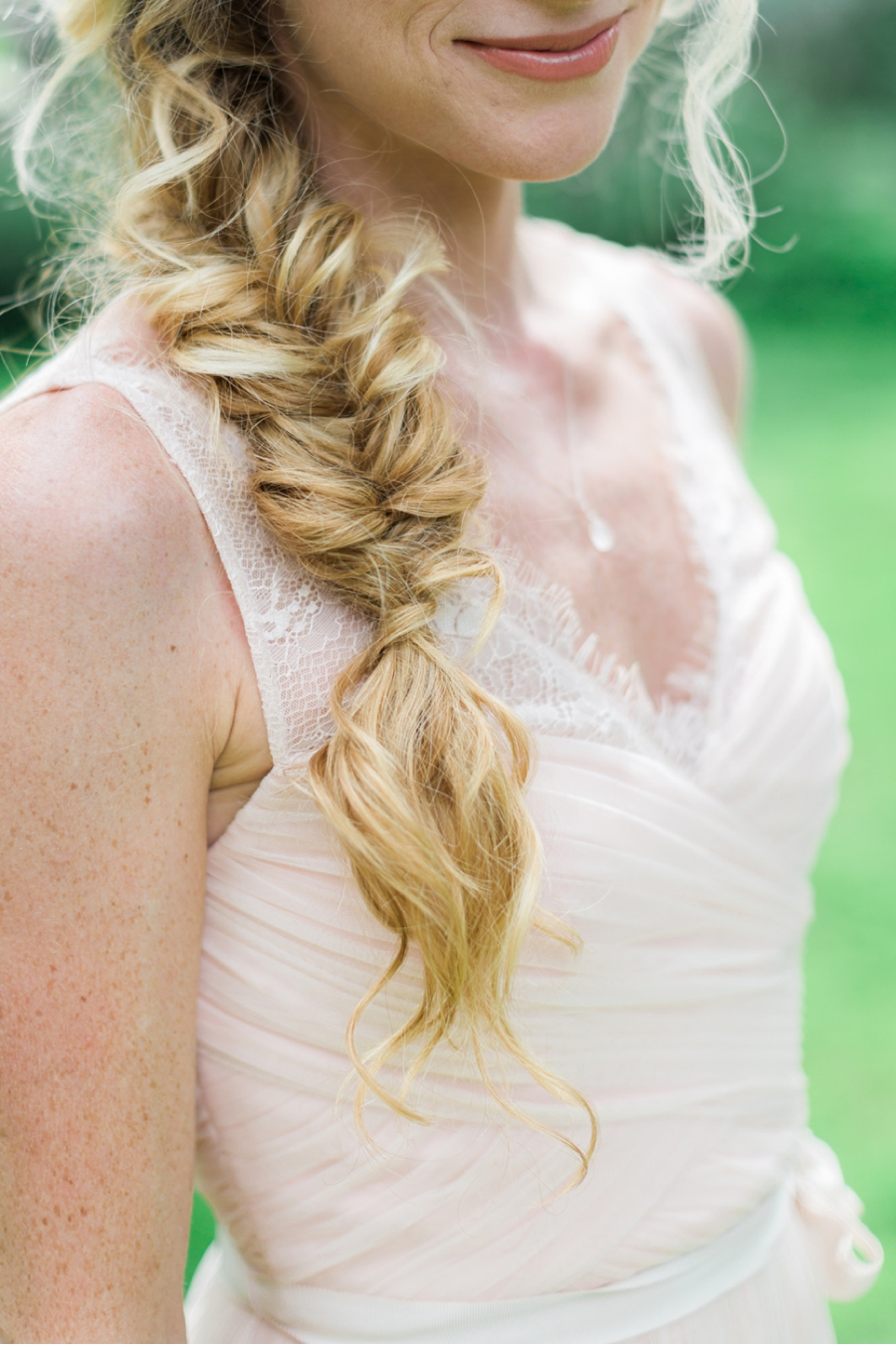 Bridal-Side-Braid-Wedding-Looks