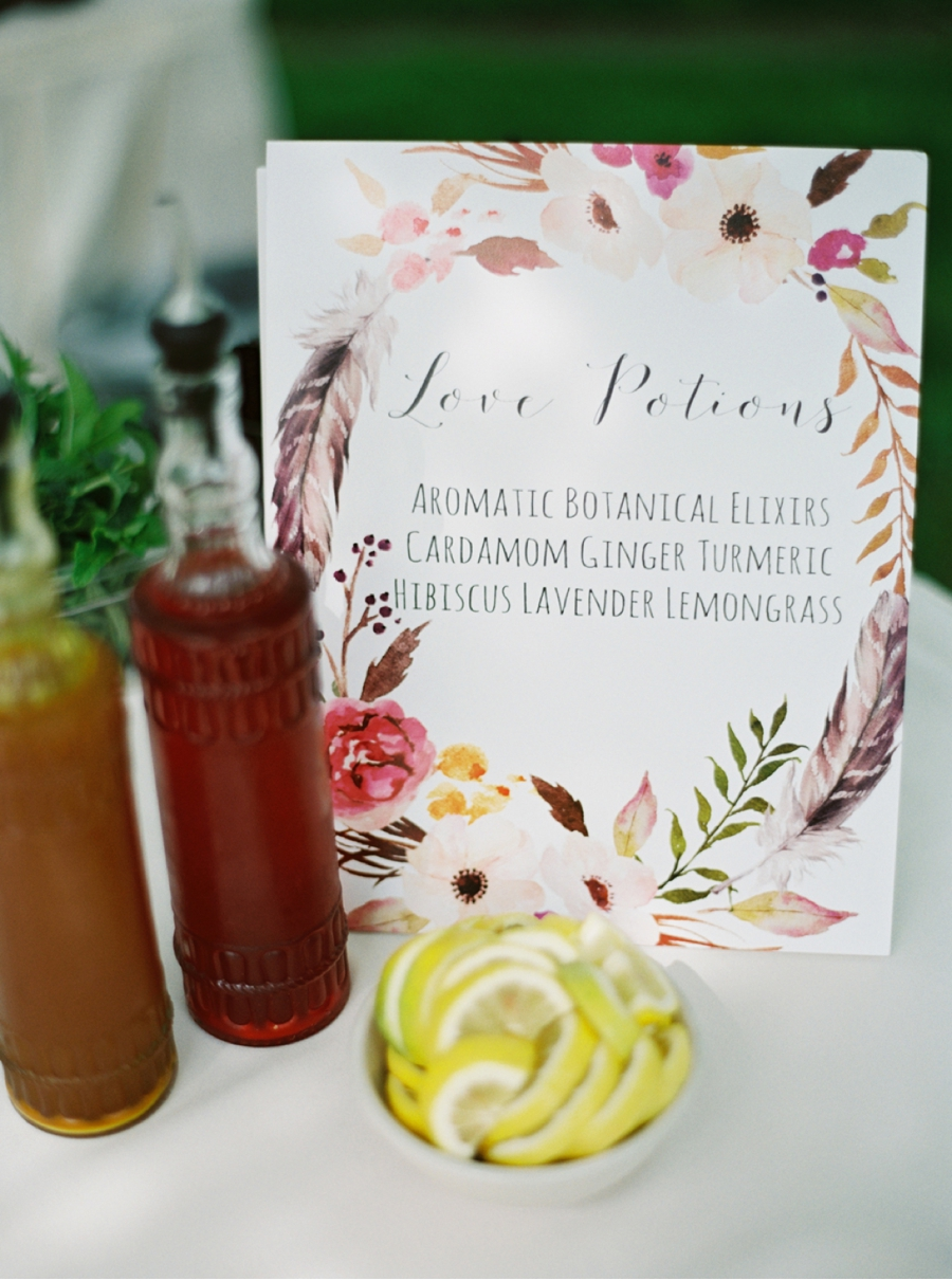 Signature-Cocktails-for-Garden-Wedding-Reception
