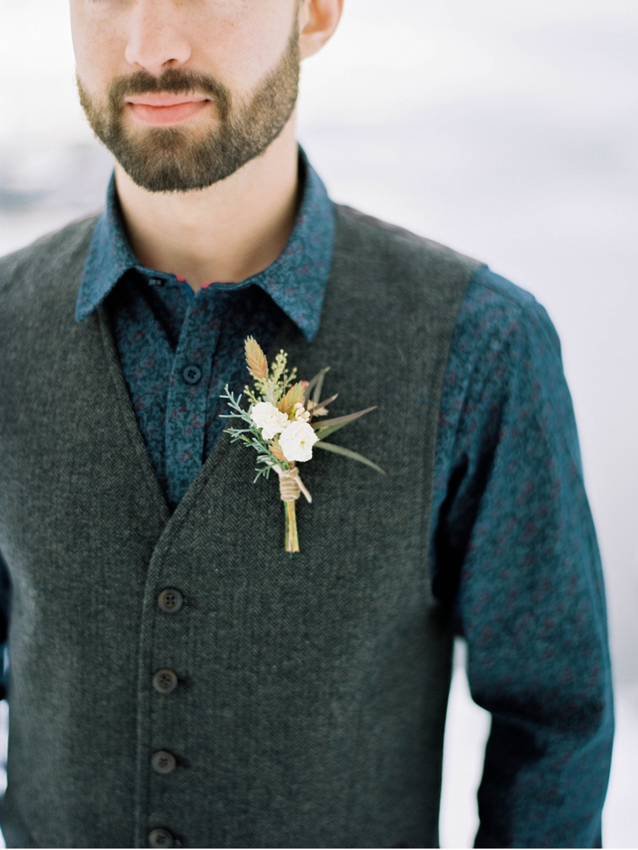 Groom's-Attire-and-Boutonniere-for-Winter-Wedding