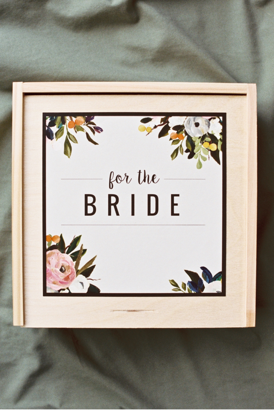 Luxury-Gifts-for-Brides