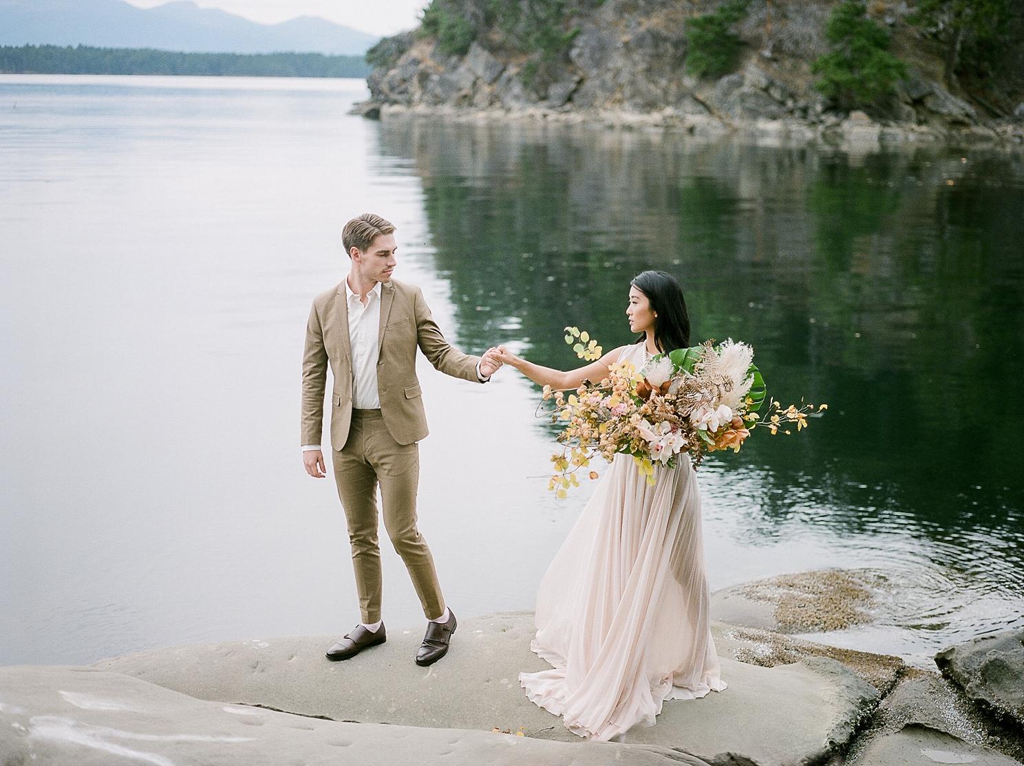 Keila-Marie-Photography-Galiano-Island-Wedding_0007.jpg