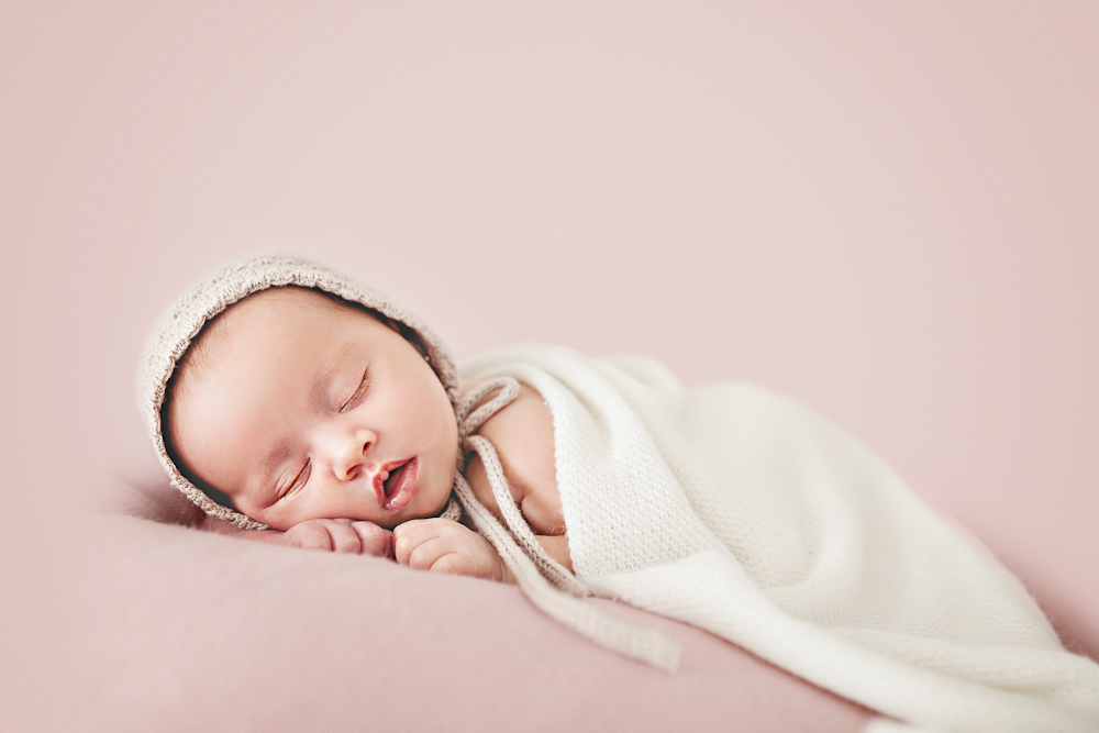 Newborn photographer Anna Vela
