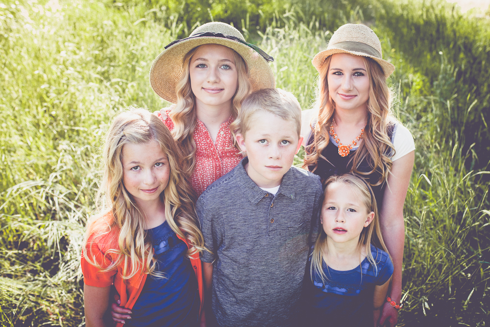 Pocatello family photographer Anna Vela