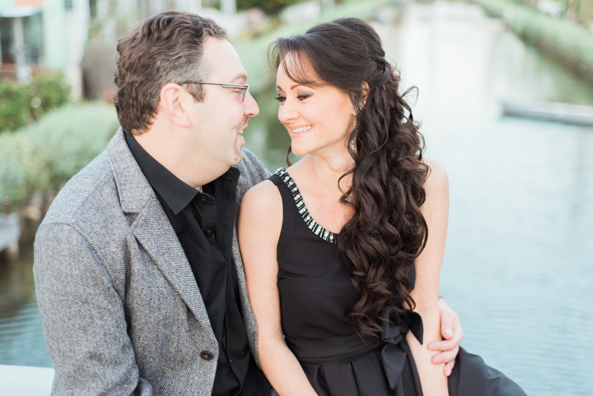 venice_canals_engagement_session-2.jpg