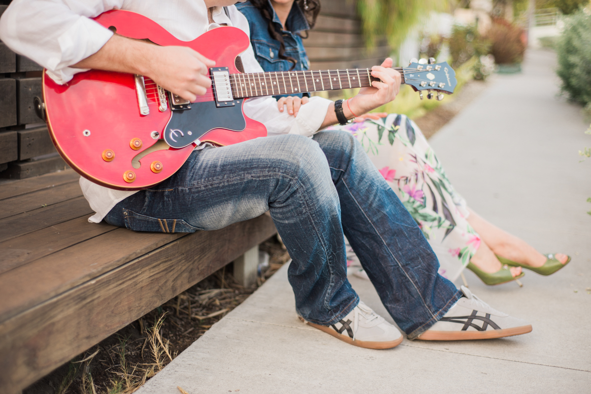venice_canals_engagement_session-10.jpg