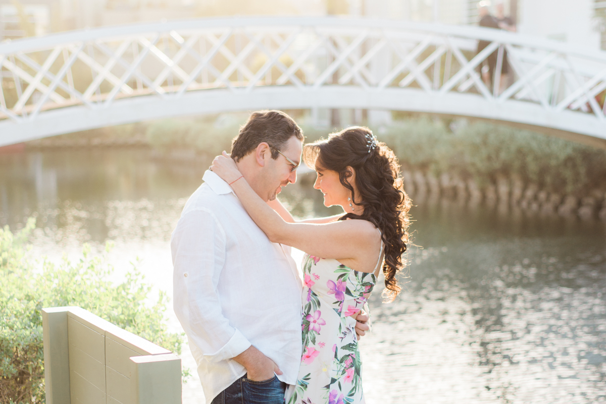 venice_canals_engagement_session-12.jpg