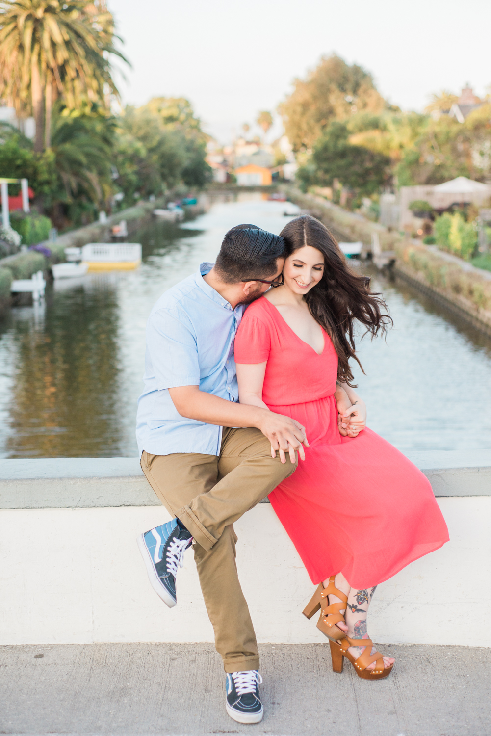 lauren&anthony-venice-canals-engagement-session-photography-los-angeles-wedding-photographer-venice-2.jpg
