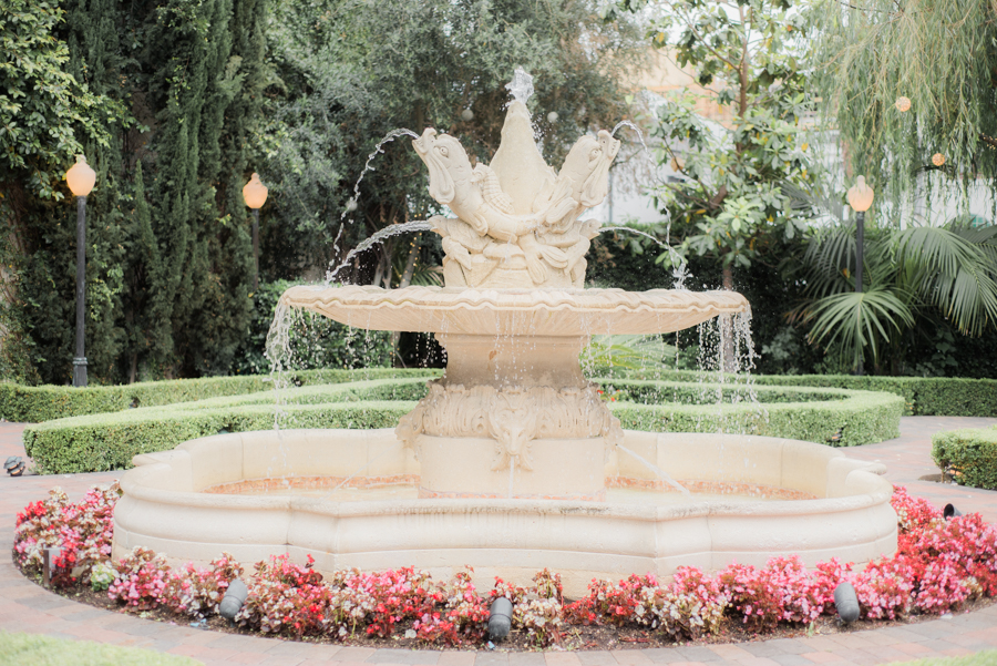 jessica&curtis_the_taglyan_complex_roosevelt_hotel_hollywood_wedding_los_angeles_photographer-23.jpg