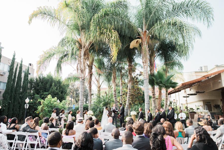 jessica&curtis_the_taglyan_complex_roosevelt_hotel_hollywood_wedding_los_angeles_photographer-25.jpg