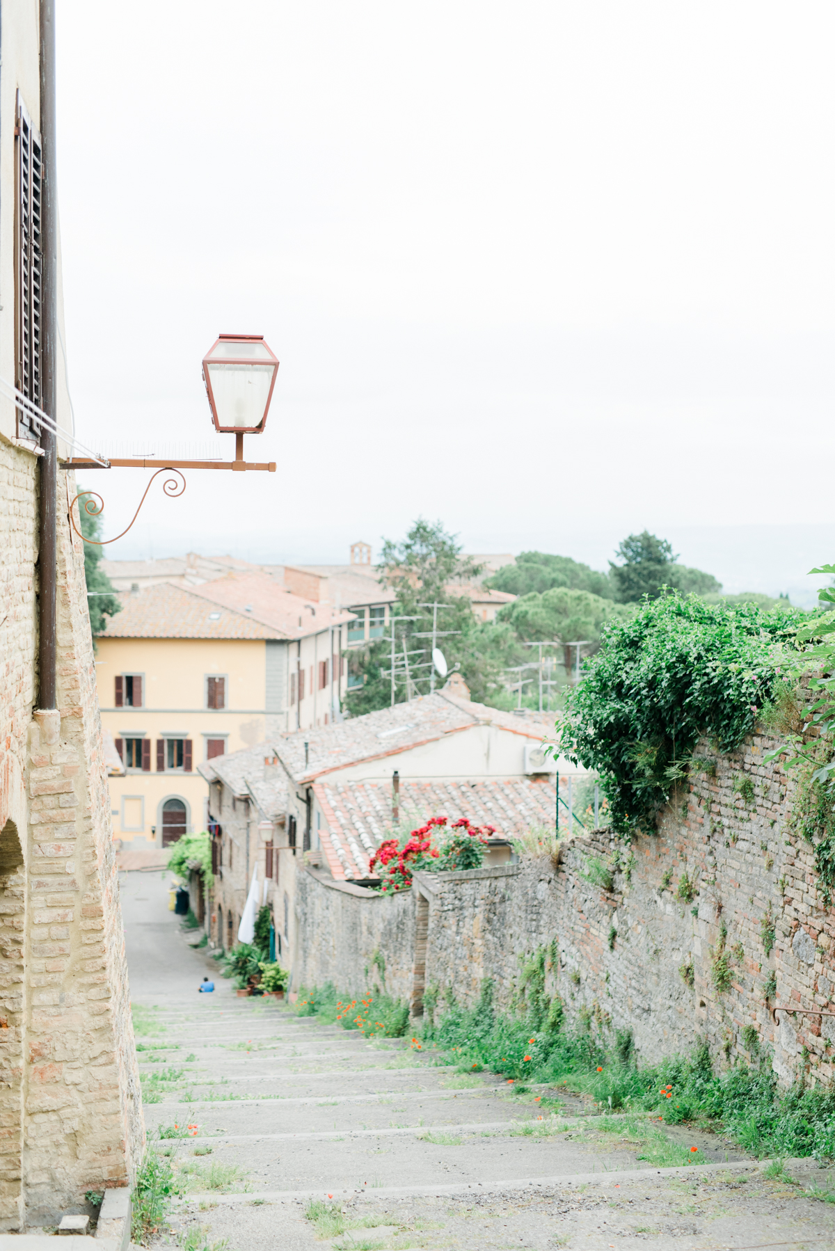 AKP_San_Gimignano_Tuscany_family_shoot_wedding_engagement_photographer-8.jpg