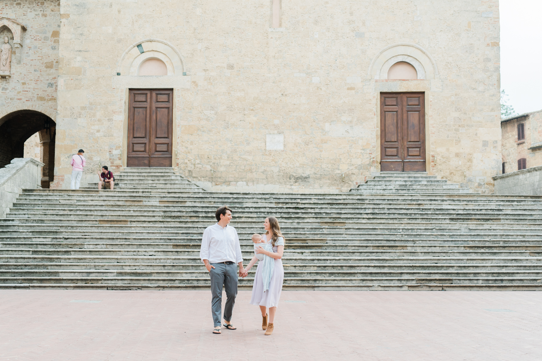 AKP_San_Gimignano_Tuscany_family_shoot_wedding_engagement_photographer-11.jpg