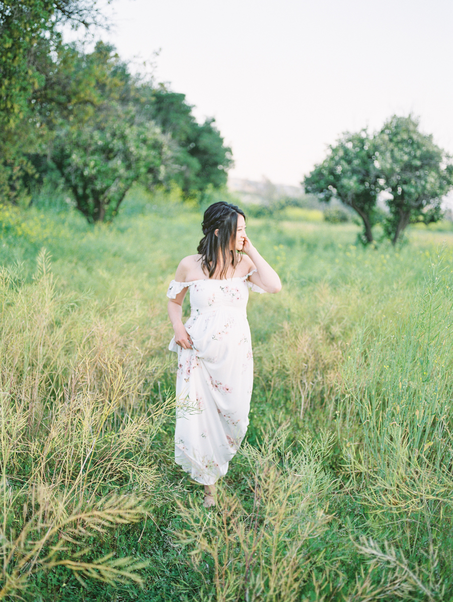 Maternity_Session_Family_Film_Photographer_Flower_Field_Los_Angeles_AKP-5.jpg