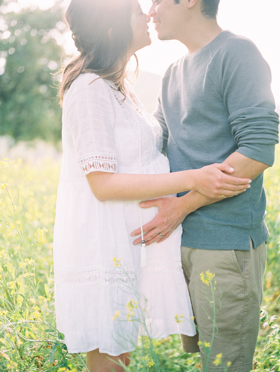 Maternity_Session_Family_Film_Photographer_Flower_Field_Los_Angeles_AKP-9.jpg