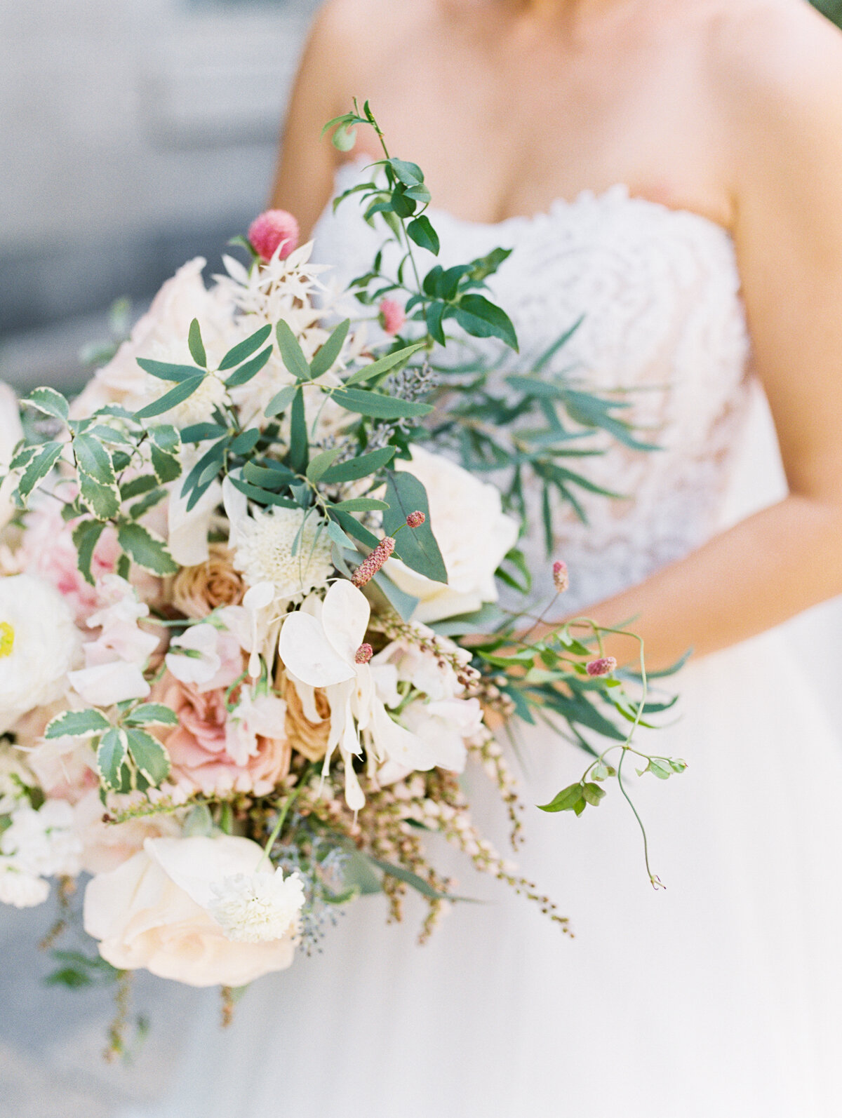 Romantic and flowy bridal bouquet