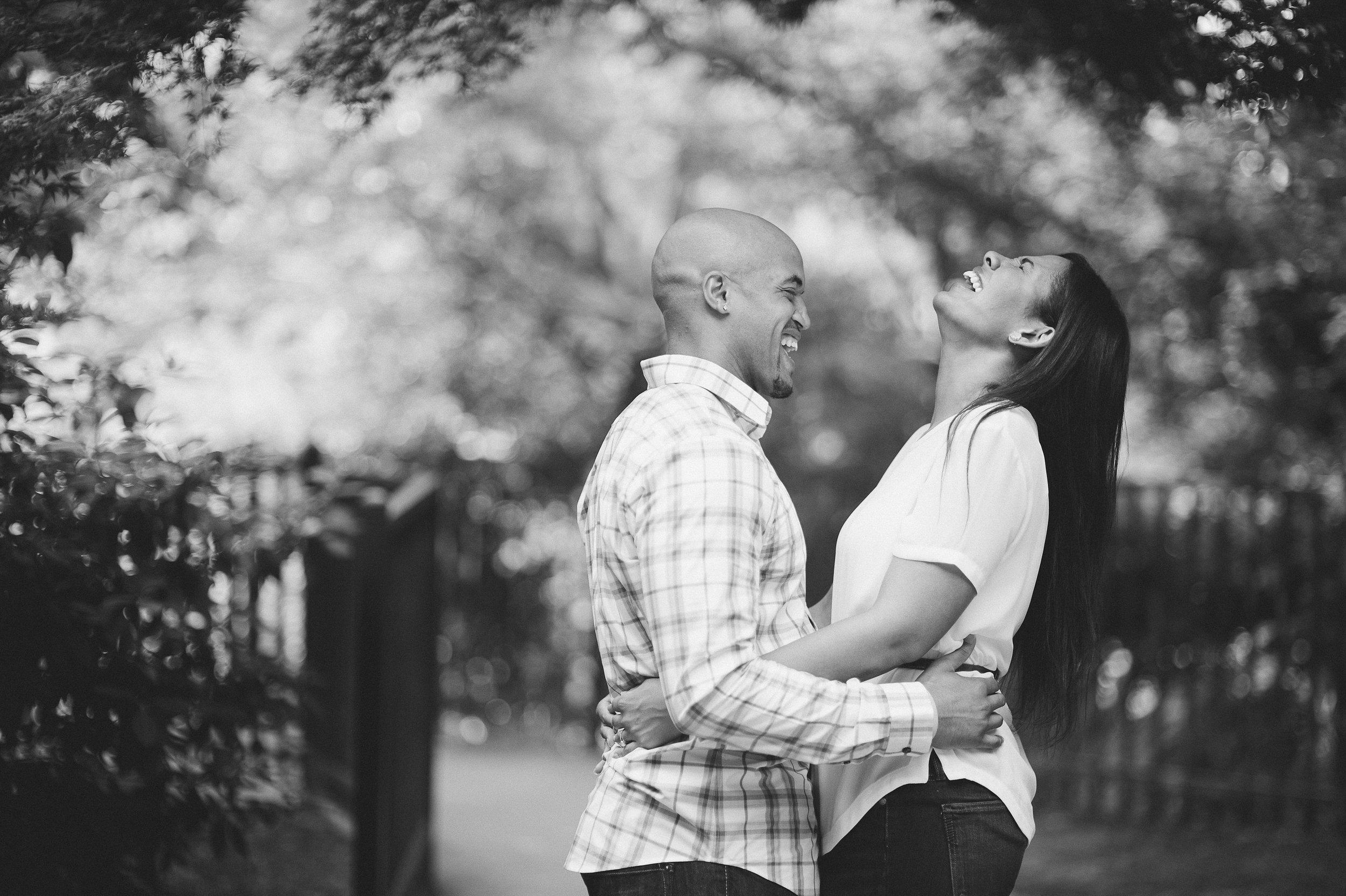 daniel&jacquelyn|smitten&hooked|e-session|bw-7