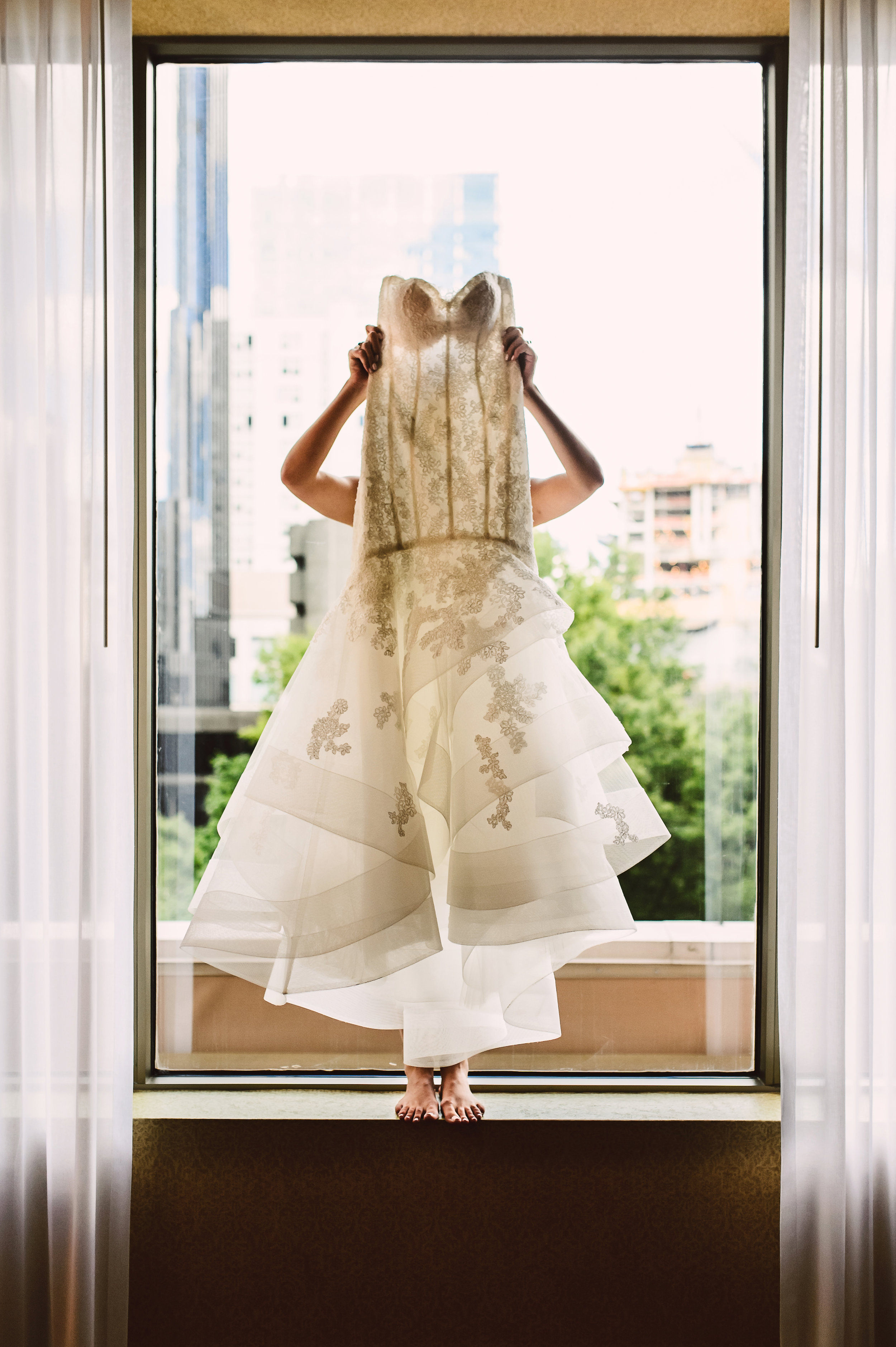 Monique Lhuillier wedding dress, lace wedding dress, Mint Museum Uptown wedding in Charlotte, North Carolina by The Graceful Host