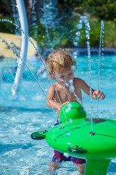 mcowc-splash-0155-ver-clsc.jpg