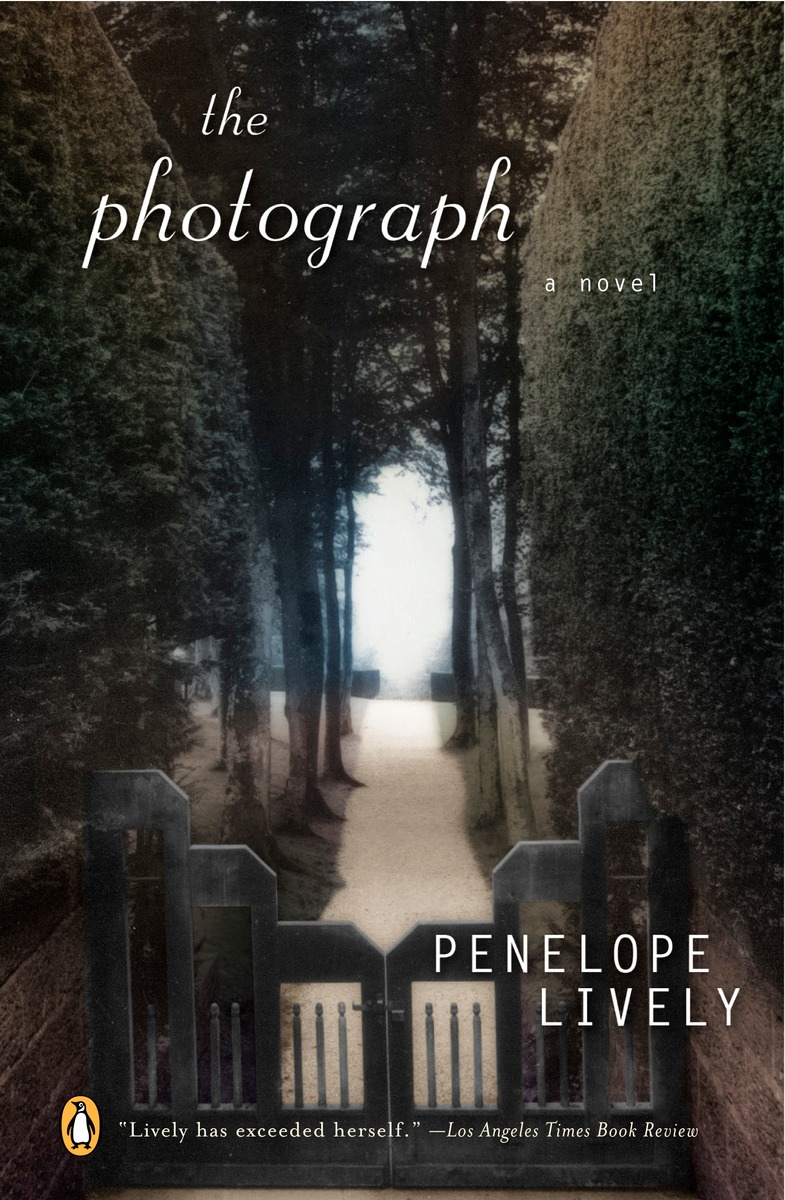 Penelope Lively, The Photograph (2004)