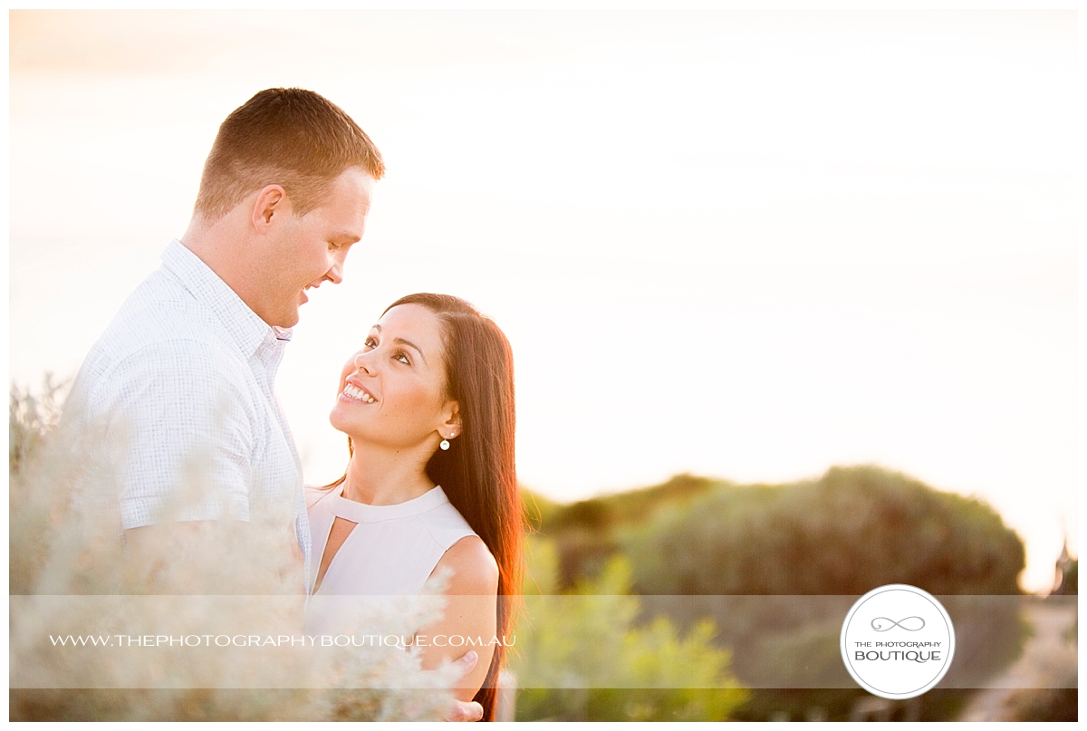 The Photography Boutique Engagement Couple Beach_0101.jpg