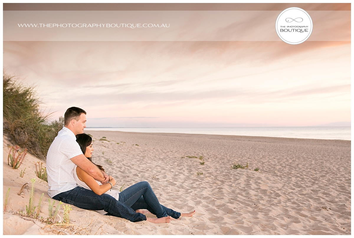 The Photography Boutique Engagement Couple Beach_0102.jpg