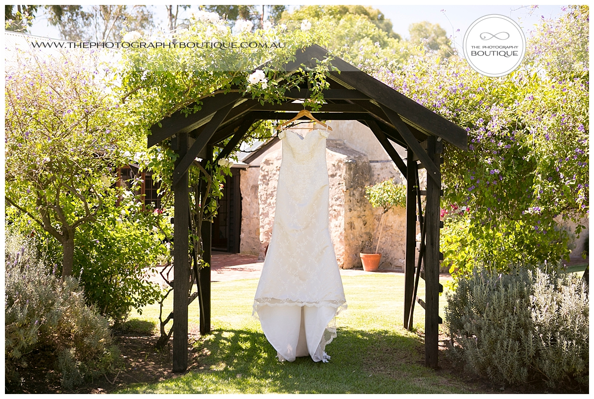 Old Broardwater Farm Wedding -29.jpg
