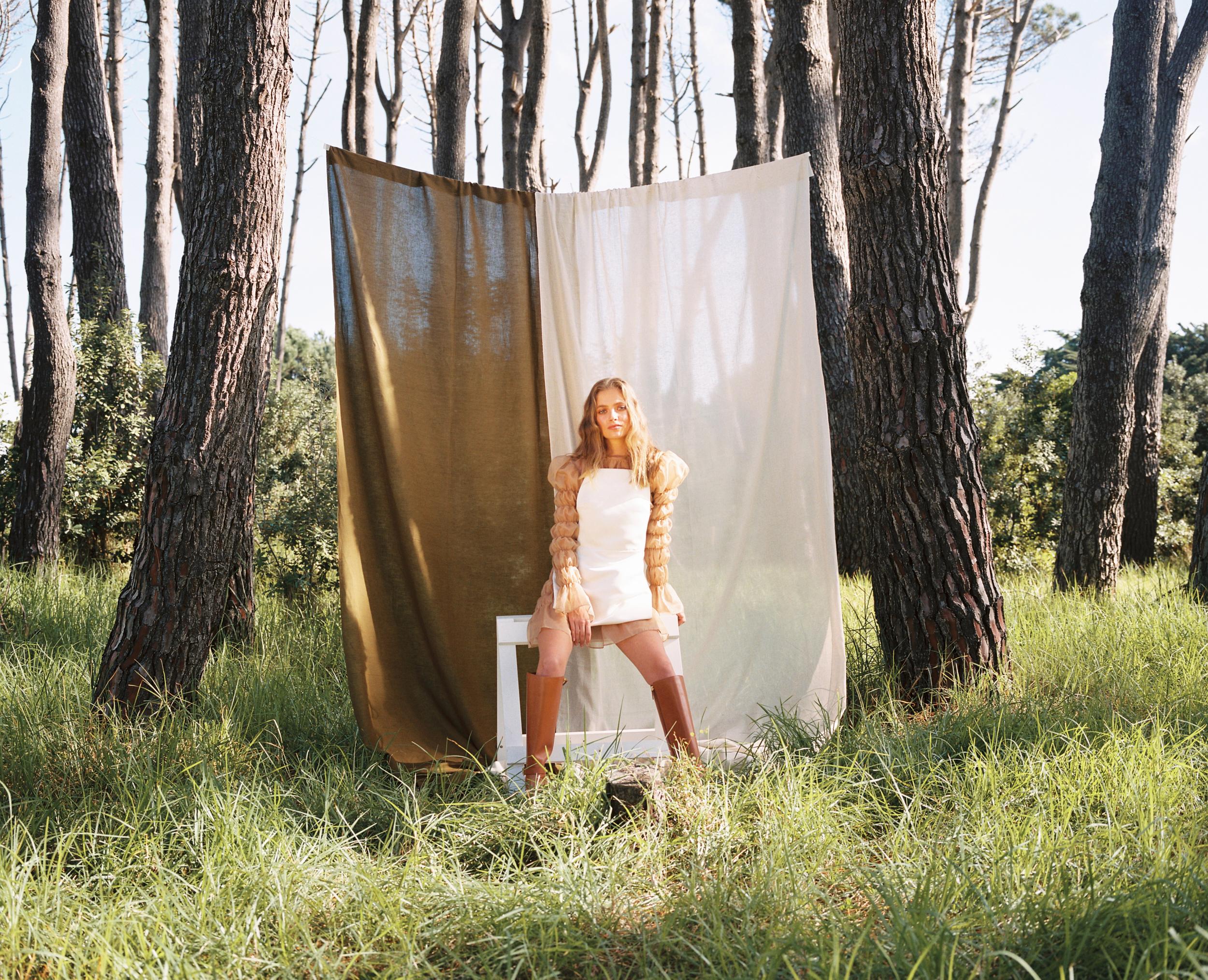 LOCHIE BARNETT  Styled: Sarah Tansey HMUA: Aleisha McNabb     Auckland, New Zealand