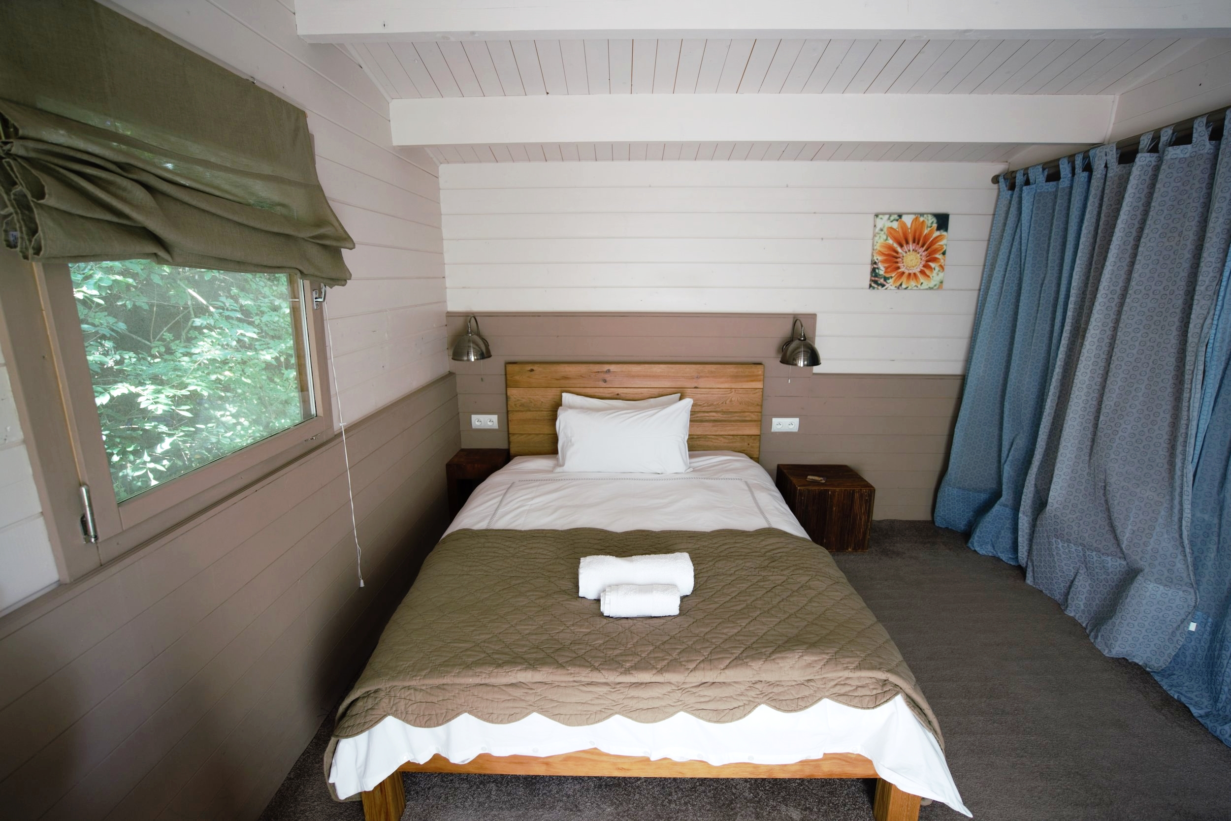 Double bedded Pool Lodge