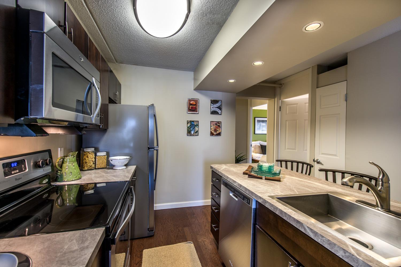 003-038_140414_Mystic_Place_Apartments-Edit.jpg