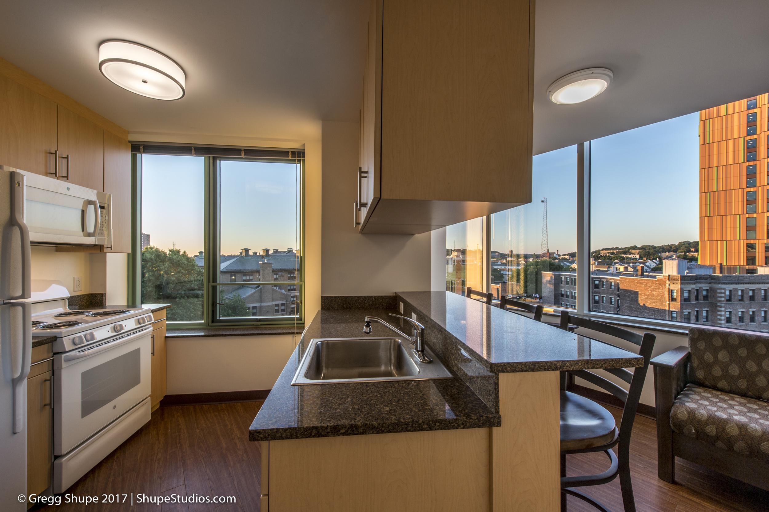 084e_140904_Apartments_At_525_Huntington_Ave.jpg