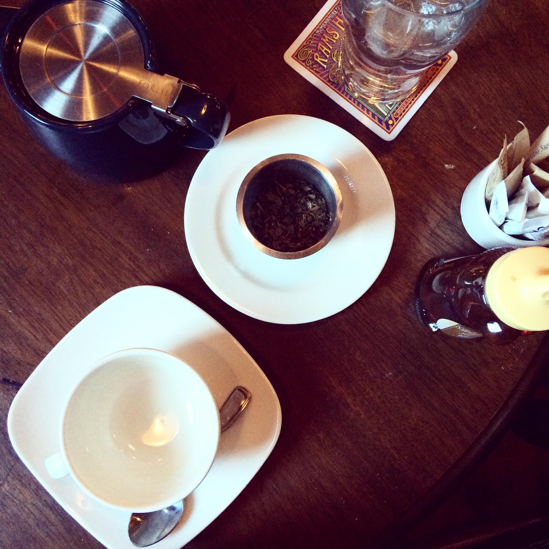 Mint tea at McMennimans Chapel Pub in Portland || Pause