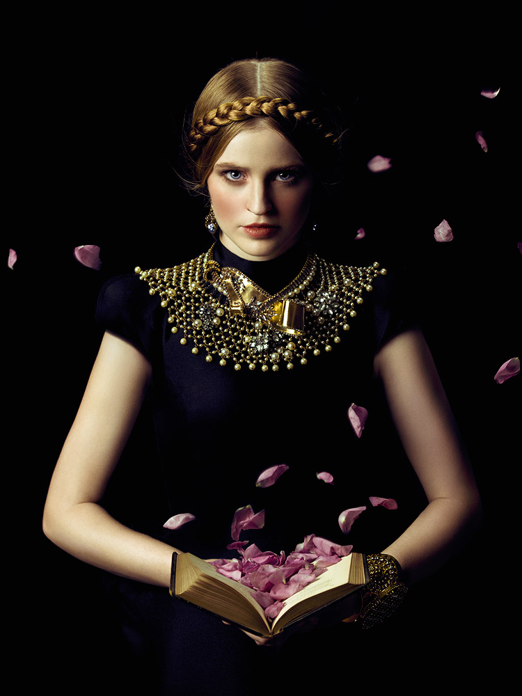 Motherland Chronicles #31 - Book of Roses , 2014