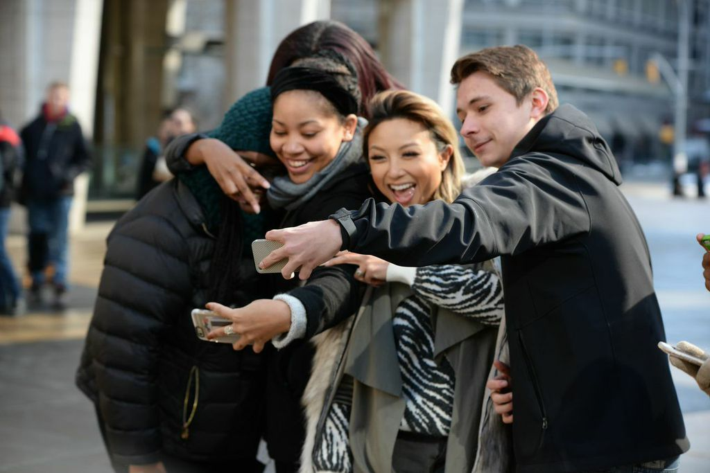 Jeannie Mai with Fans