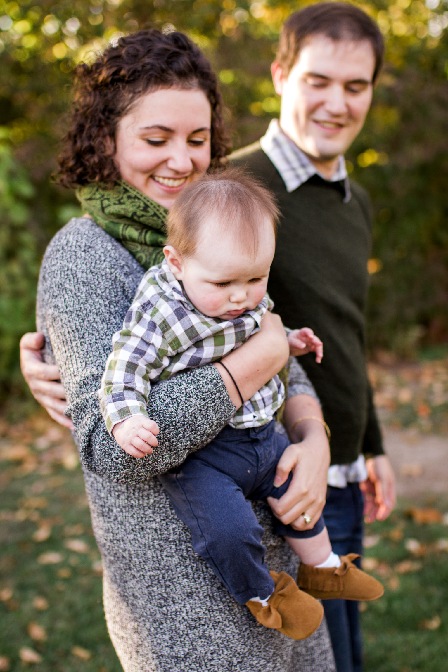 Kansas City lifestyle photographer, Kansas City family photographer, fall family session, autumn family session, family walking