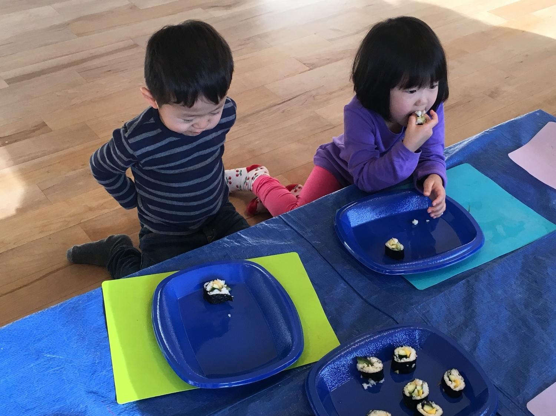 Sushi little children2.JPG