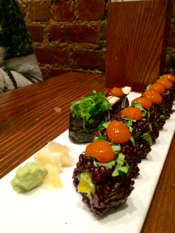 La Fiesta roll with baked tofu andseaweed hand pieces