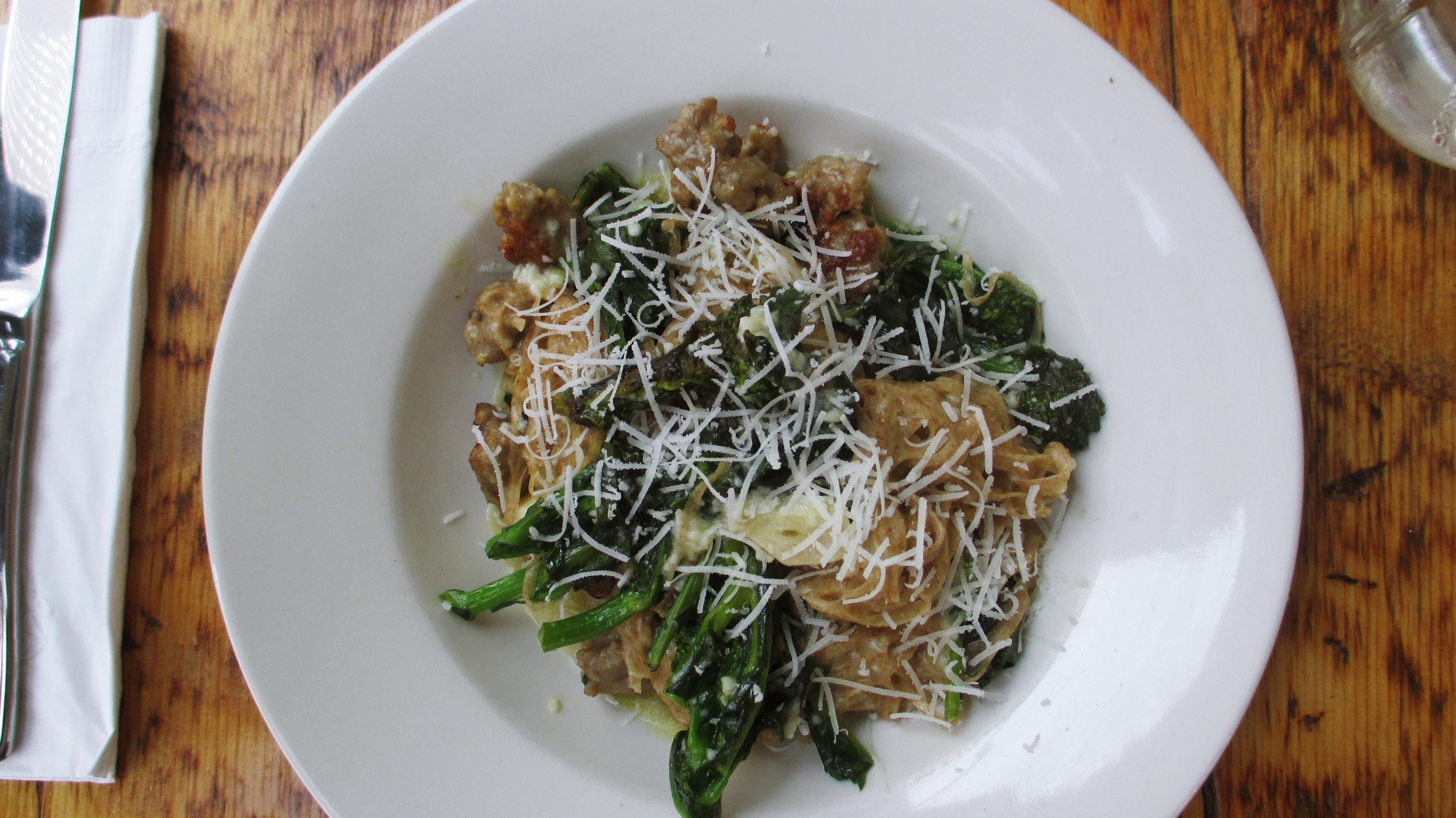 Whole wheat spaghetti with broccoli rabe and sausage