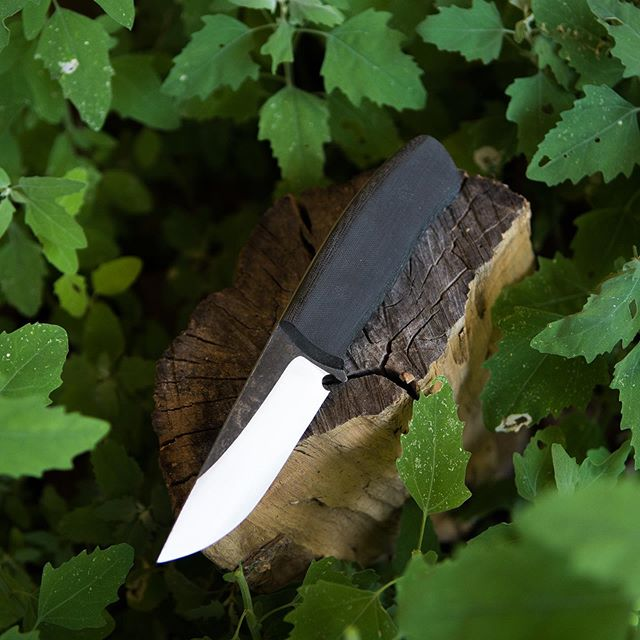 Get this utilitarian Danskin V2 in 1095 high carbon steel and micarta ready for the bush for $260 with a sheath!