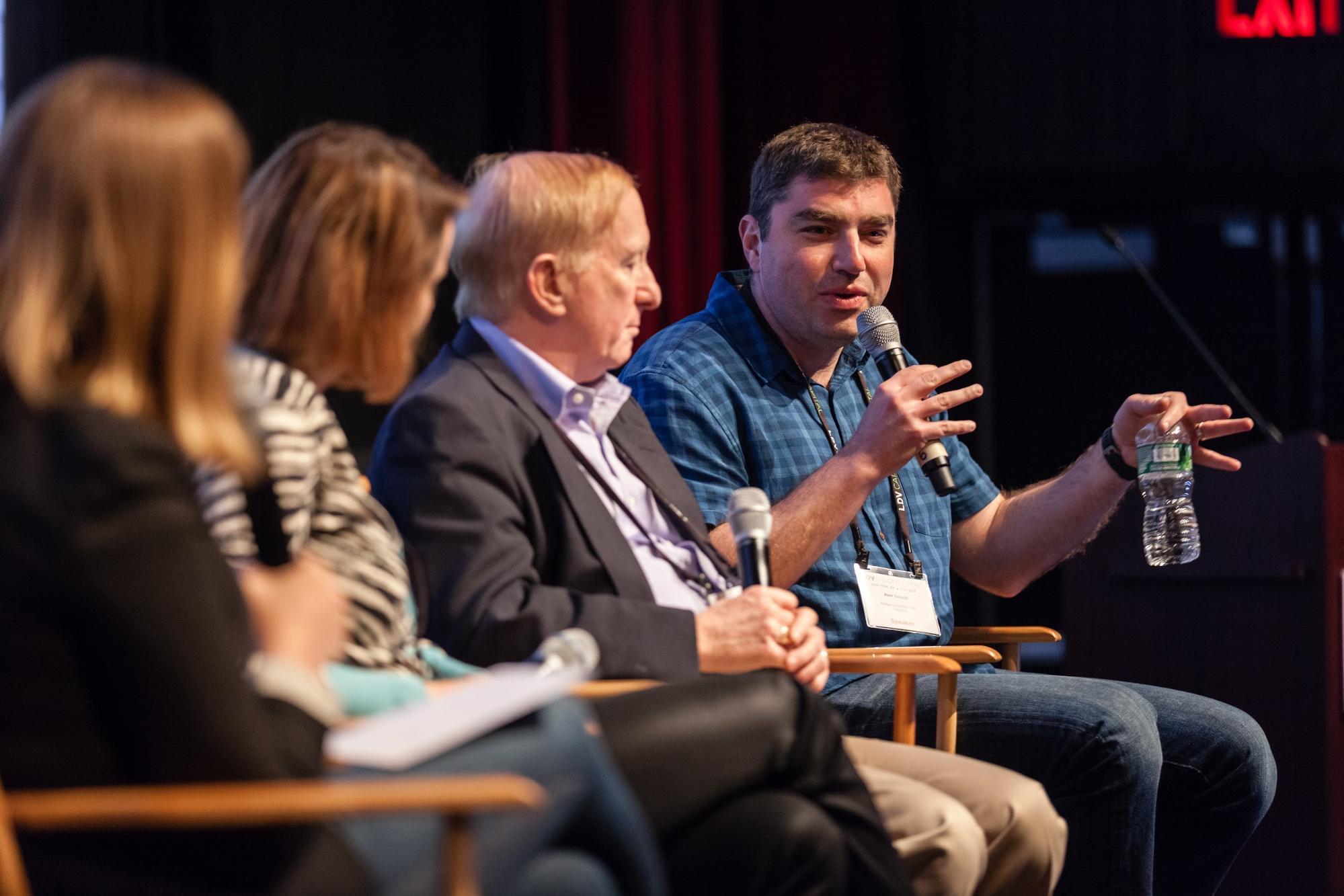 (Speaking) Alex Iskold, Managing Director of Techstars © Robert Wright/LDV Vision Summit