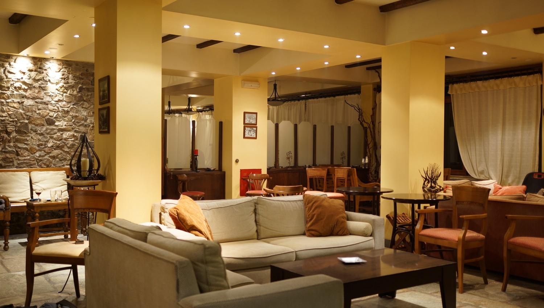 hotel_lobby.JPG