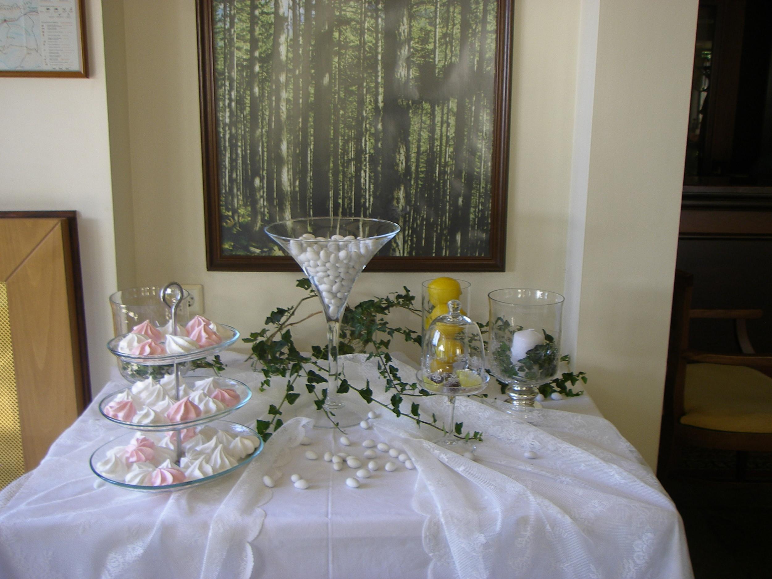 wedding_table.jpg