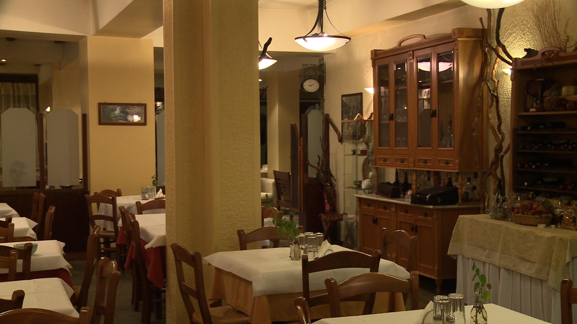 valiacalda_hotel_dining.jpg