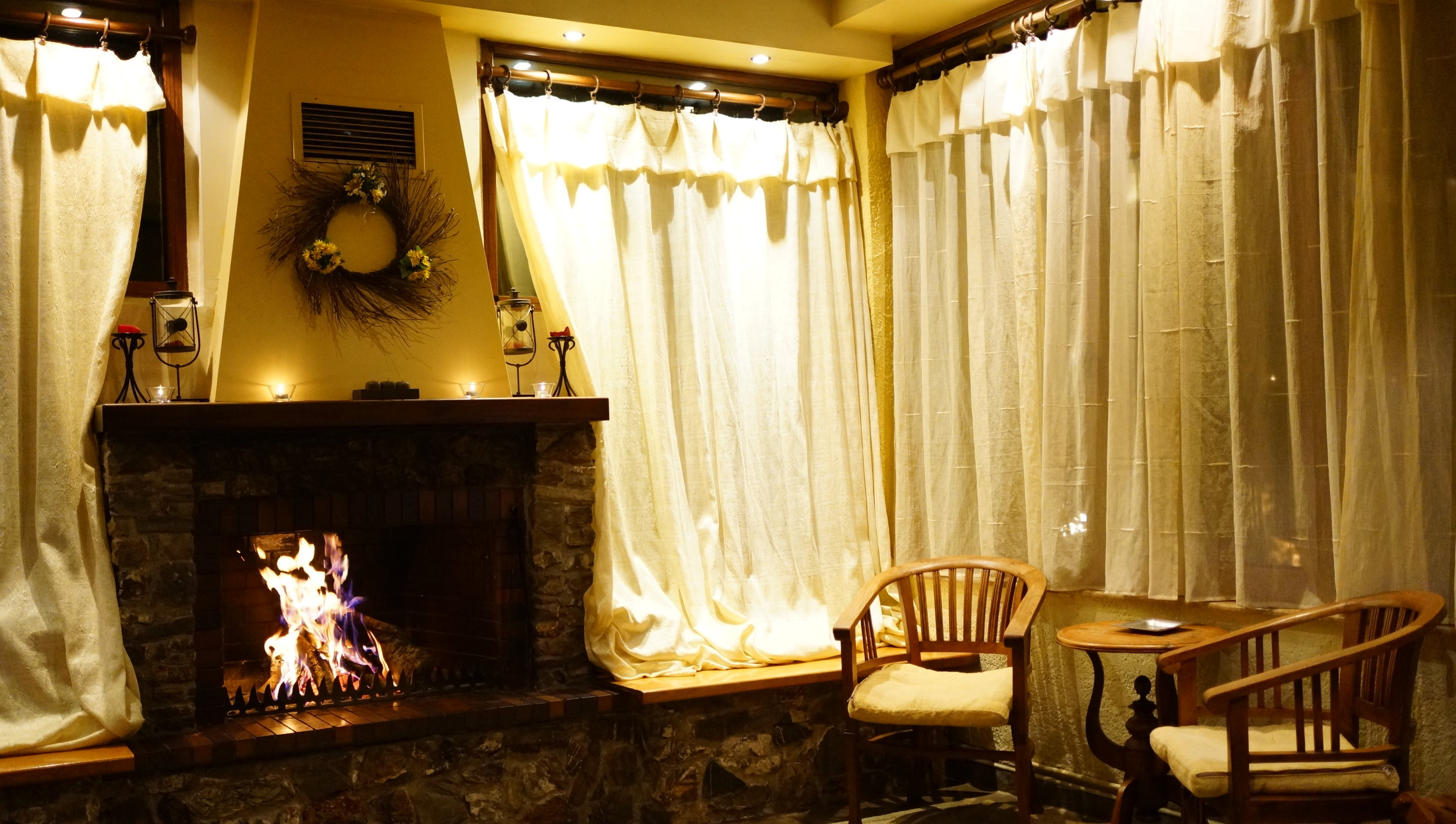 hotel fireplace.JPG
