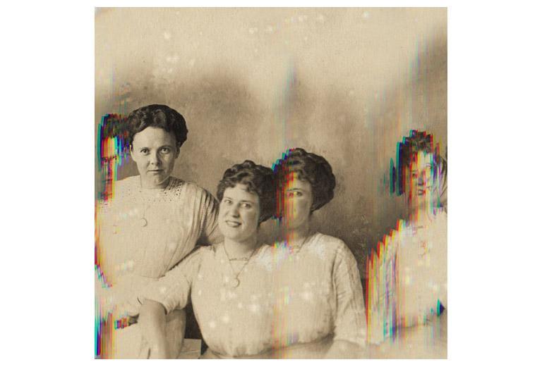 locket_sisters.jpg