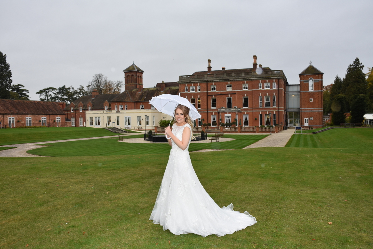 Oakley Hall Wedding Photography-117.JPG