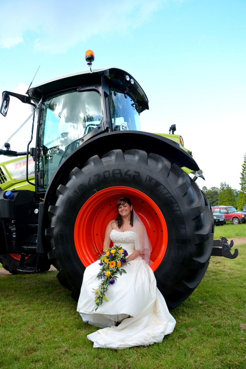 Hampshire wedding photographer-013.JPG