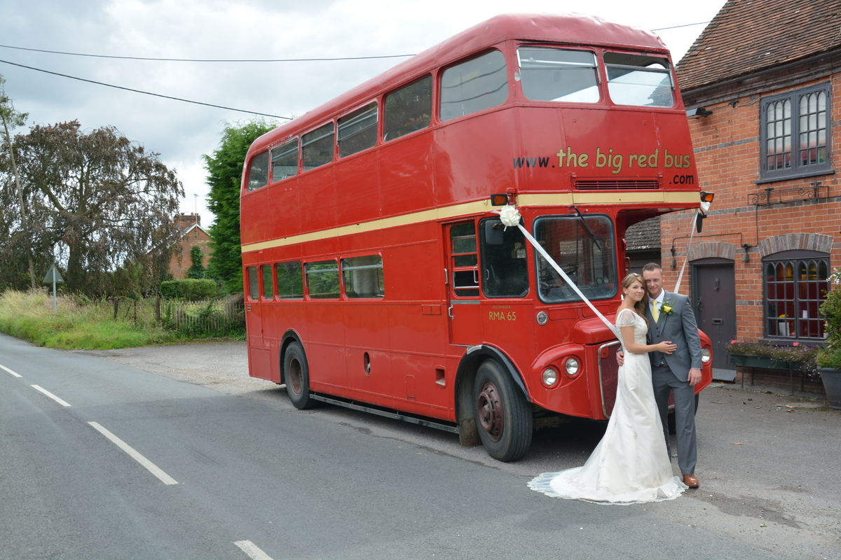 Hampshire wedding photographer-016.JPG