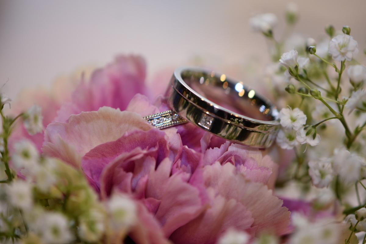 Hampshire wedding photographer-090.JPG